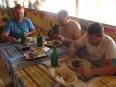 12 - Obed pri Ružovom jazere