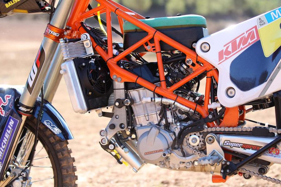2014-KTM-450-Rally-race-bike-06