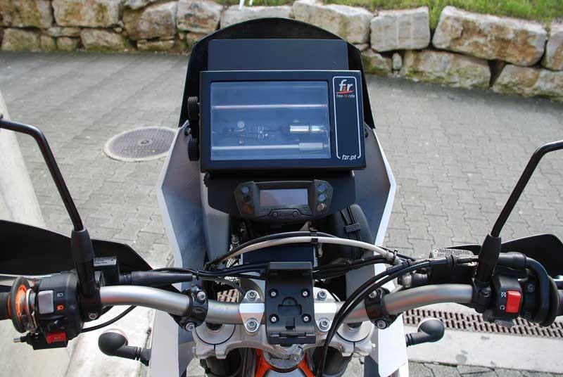 ktm-basel-ktm-690-enduro-r-to-defy-690-quest-roadbook-prototype-setup-02