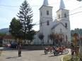 Chiuzbaia pred kostolom